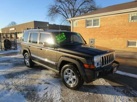 2006 Jeep Commander for sale at RON'S AUTO SALES INC in Cicero IL
