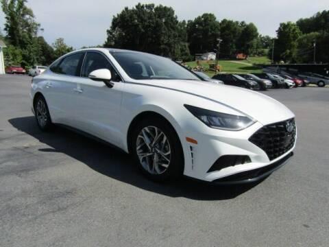 2020 Hyundai Sonata for sale at Specialty Car Company in North Wilkesboro NC