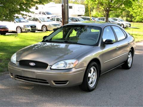 2005 Ford Taurus for sale at The Car Vault in Holliston MA