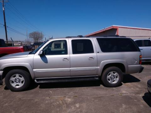 2005 Chevrolet Suburban for sale at BIG 7 USED CARS INC in League City TX