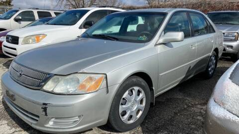 2000 Toyota Avalon for sale at In Motion Sales LLC in Olathe KS