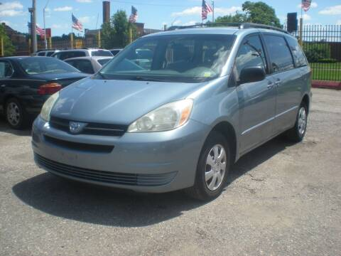 2004 Toyota Sienna for sale at Automotive Center in Detroit MI