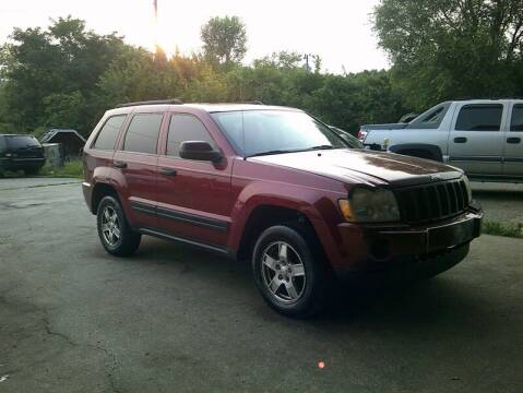 2005 Jeep Grand Cherokee for sale at MICHAEL J'S AUTO SALES in Cleves OH