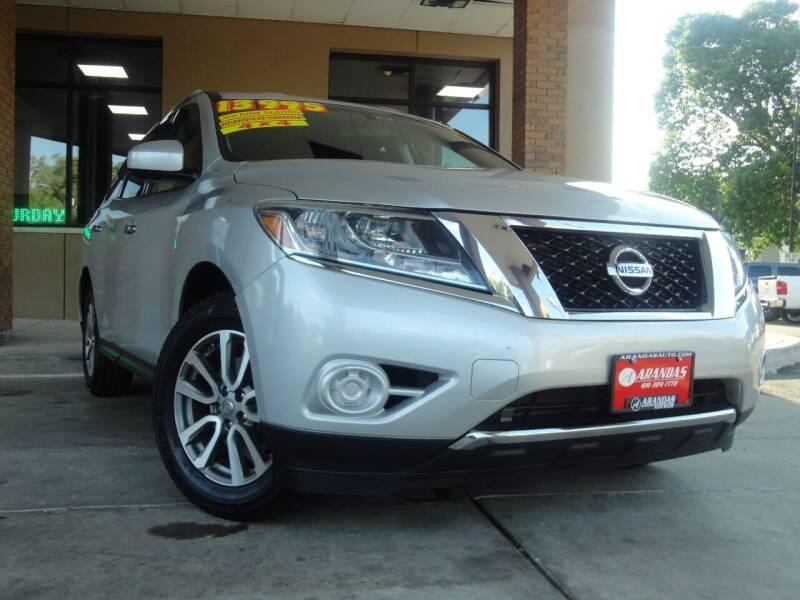 2013 Nissan Pathfinder for sale at Arandas Auto Sales in Milwaukee WI