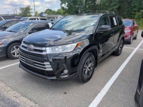 2018 Toyota Highlander for sale at Strosnider Chevrolet in Hopewell VA
