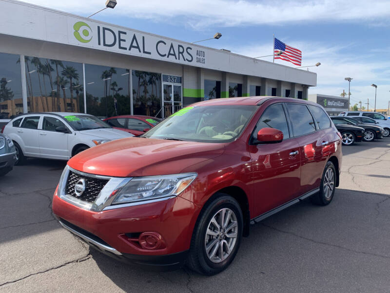 2014 Nissan Pathfinder for sale at Ideal Cars Broadway in Mesa AZ
