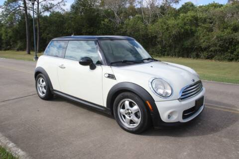 2011 MINI Cooper for sale at Clear Lake Auto World in League City TX