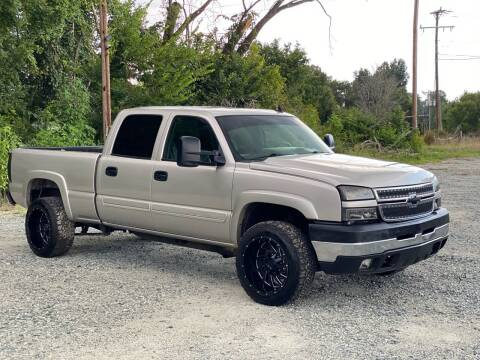 2006 Chevrolet Silverado 2500HD for sale at Charlie's Used Cars in Thomasville NC