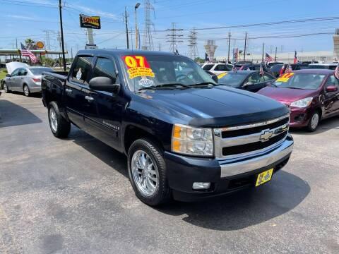 2007 Chevrolet Silverado 1500 for sale at Texas 1 Auto Finance in Kemah TX