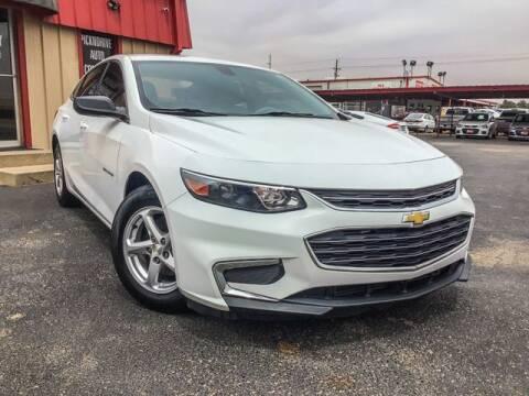 2016 Chevrolet Malibu for sale at MAGNA CUM LAUDE AUTO COMPANY in Lubbock TX