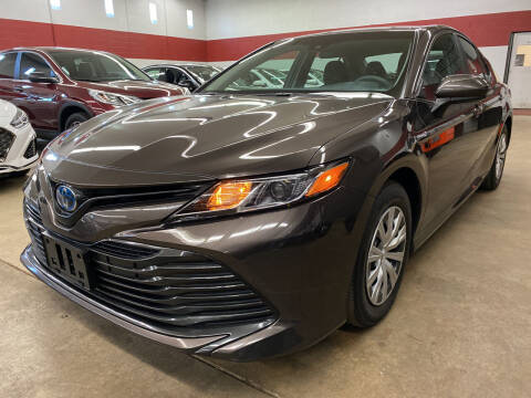 2018 Toyota Camry Hybrid for sale at Columbus Car Warehouse in Columbus OH