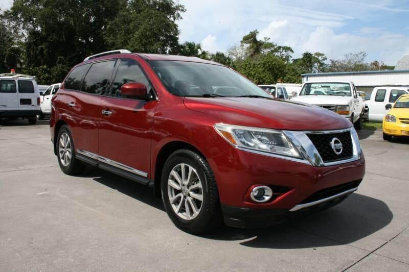 2015 Nissan Pathfinder for sale at Mike's Trucks & Cars in Port Orange FL