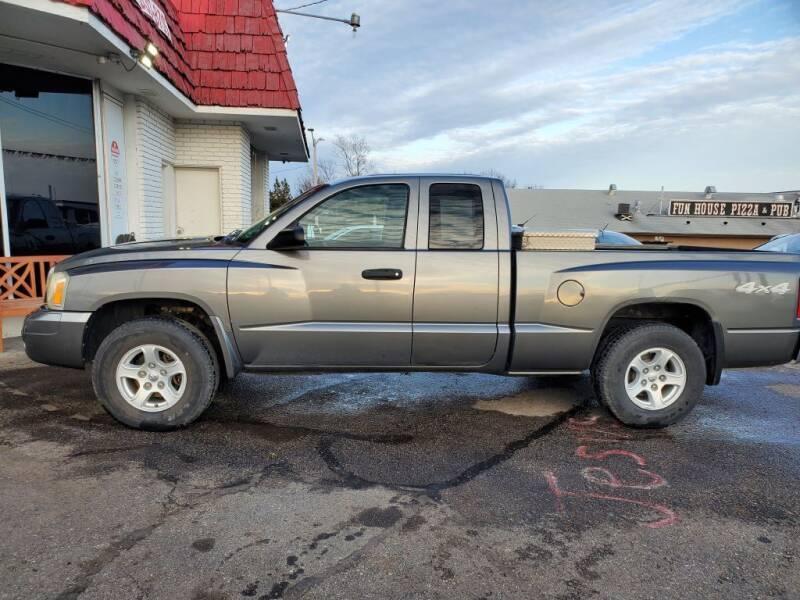 2006 Dodge Dakota for sale at Savior Auto in Independence MO