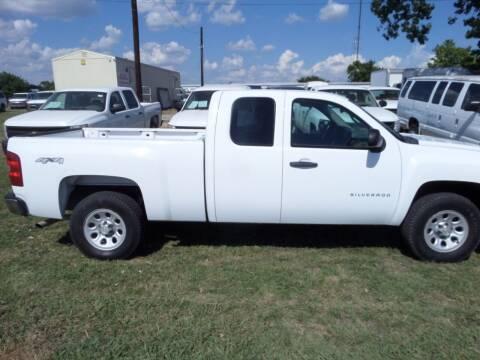 2011 Chevrolet Silverado 1500 for sale at AUTO FLEET REMARKETING, INC. in Van Alstyne TX