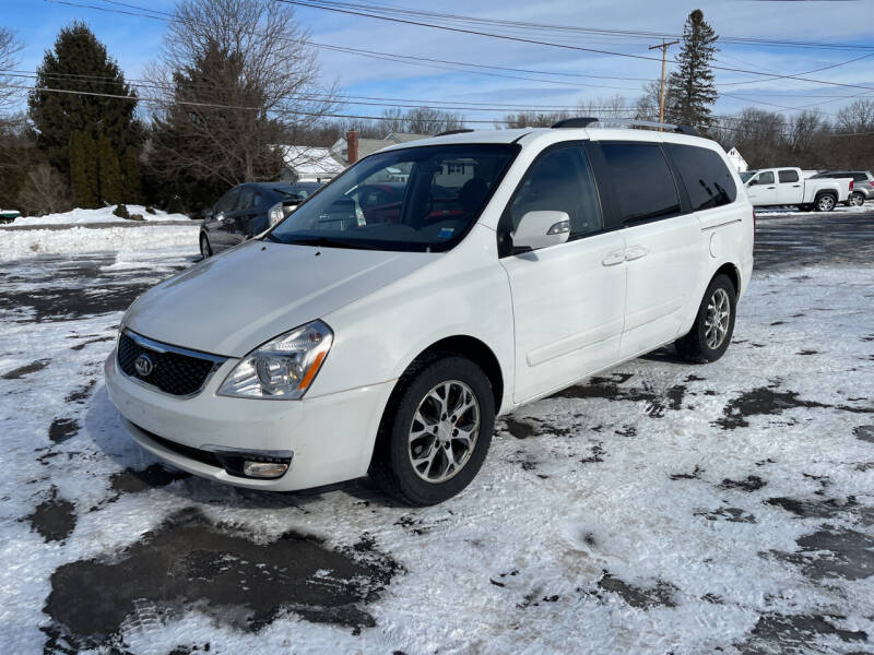 2014 Kia Sedona for sale at Delafield Motors in Glenville NY