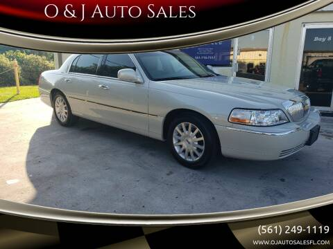 2007 Lincoln Town Car for sale at O & J Auto Sales in Royal Palm Beach FL