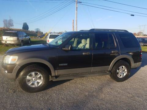 2006 Ford Explorer for sale at CAR-MART AUTO SALES in Maryville TN