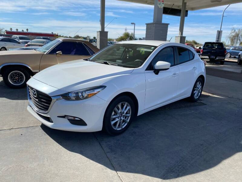 2017 Mazda MAZDA3 for sale at TANQUE VERDE MOTORS in Tucson AZ