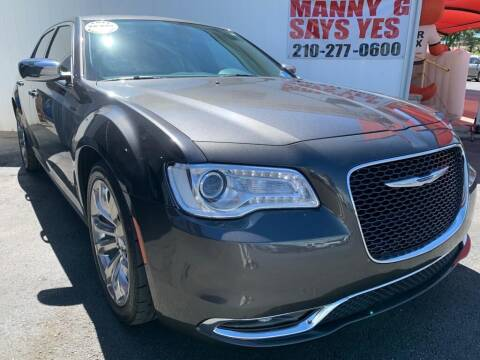 2018 Chrysler 300 for sale at Manny G Motors in San Antonio TX