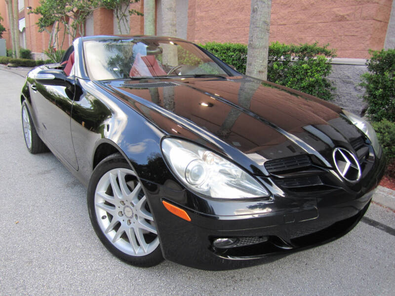 2008 Mercedes-Benz SLK for sale at FLORIDACARSTOGO in West Palm Beach FL