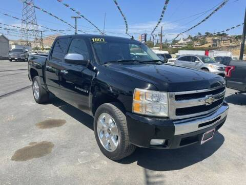 2009 Chevrolet Silverado 1500 for sale at Los Compadres Auto Sales in Riverside CA