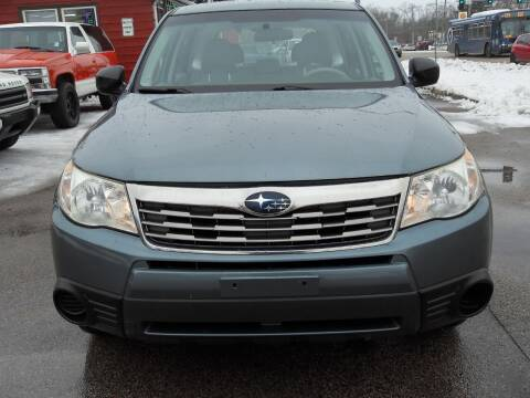 2009 Subaru Forester for sale at GLOBAL AUTOMOTIVE in Gages Lake IL