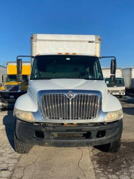 2006 International DT466 4300 for sale at Nationwide Box Truck Sales / Nationwide Autos in New Lenox IL