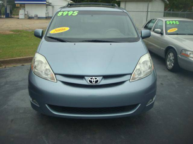 2006 Toyota Sienna for sale at Mike Lipscomb Auto Sales in Anniston AL
