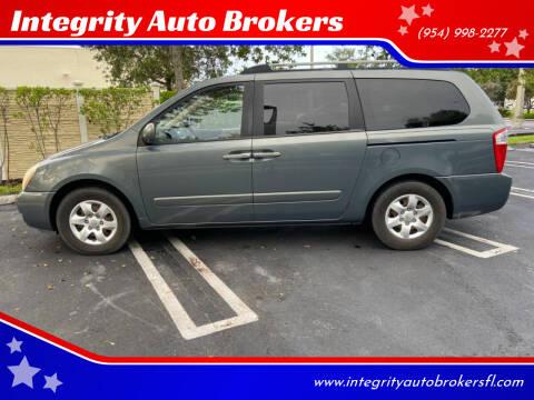 2006 Kia Sedona for sale at Integrity Auto Brokers in Pompano Beach FL