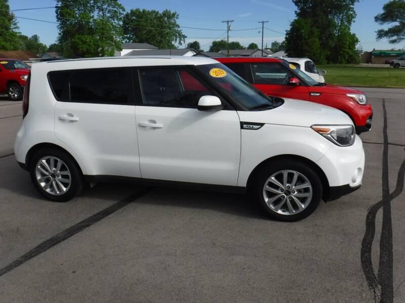 2019 Kia Soul for sale at Dave's Car Corner in Hartford City IN