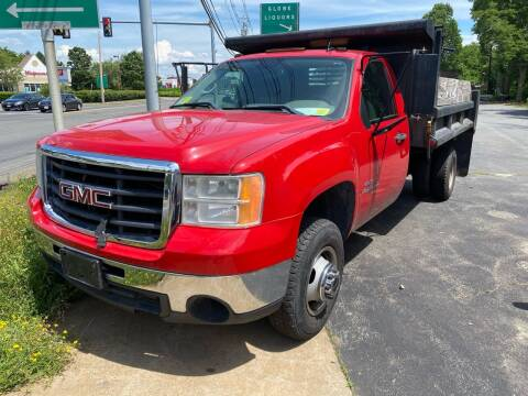 2007 GMC Sierra 3500HD CC for sale at BORGES AUTO CENTER, INC. in Taunton MA