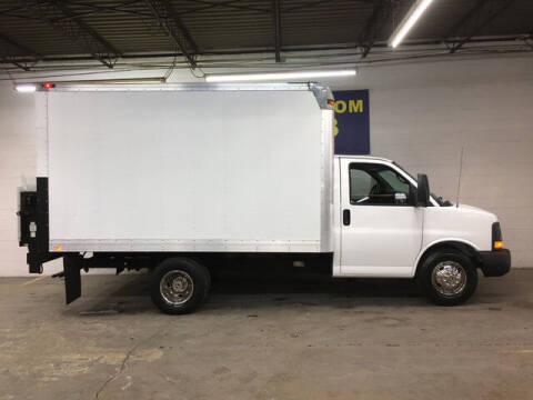 2011 Chevrolet Express Cutaway for sale at DKR Trucks in Arlington TX