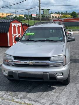 2006 Chevrolet TrailBlazer for sale at Country Auto Sales Inc. in Bristol VA