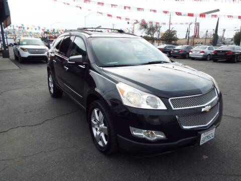 2012 Chevrolet Traverse for sale at 559 Motors in Fresno CA