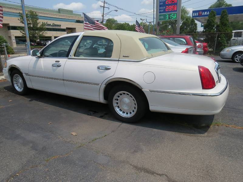 2000 Lincoln Town Car Executive L 4dr Sedan - Springfield NJ