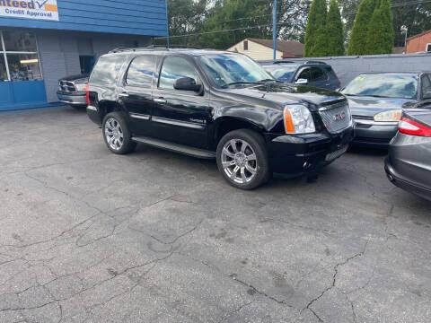 2009 GMC Yukon for sale at Lee's Auto Sales in Garden City MI