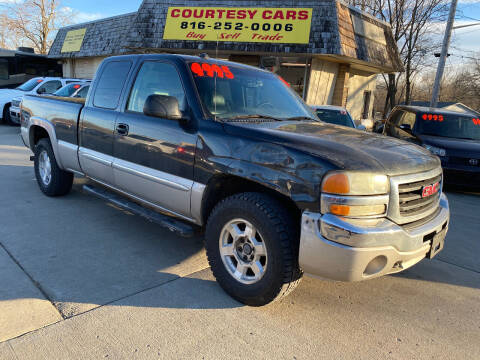 2004 GMC Sierra 1500 for sale at Courtesy Cars in Independence MO