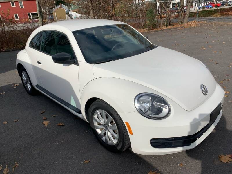 2013 Volkswagen Beetle for sale at QUINN'S AUTOMOTIVE in Leominster MA