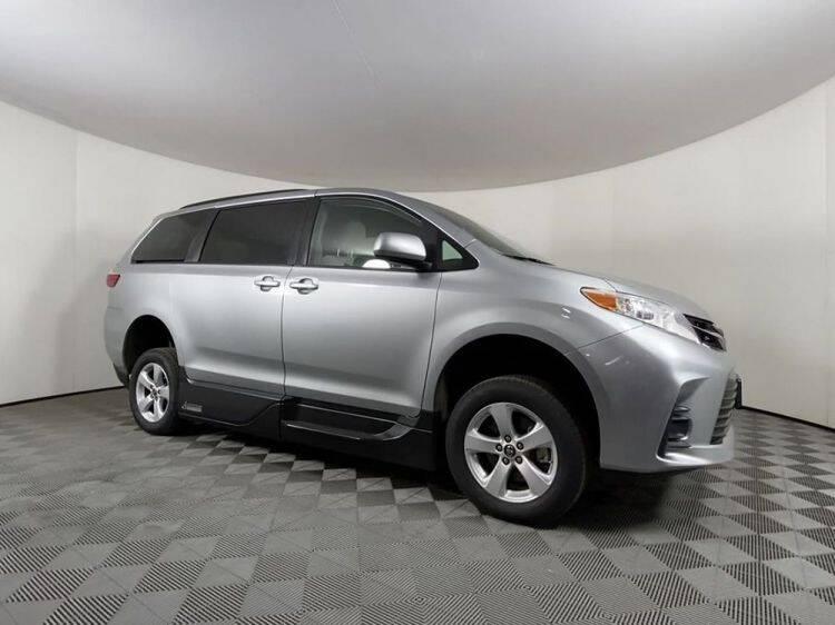 2019 Toyota Sienna for sale at AMS Vans in Tucker GA