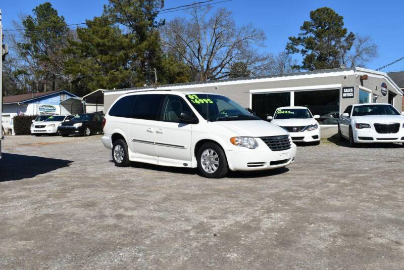 2007 Chrysler Town and Country for sale at Barrett Auto Sales in North Augusta SC