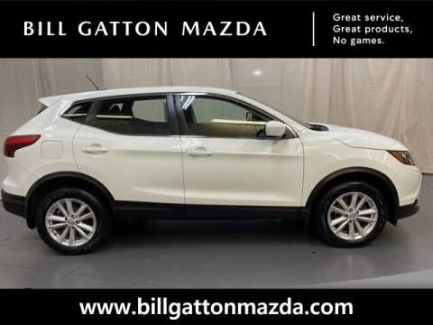 2018 Nissan Rogue Sport for sale at Bill Gatton Used Cars - BILL GATTON ACURA MAZDA in Johnson City TN