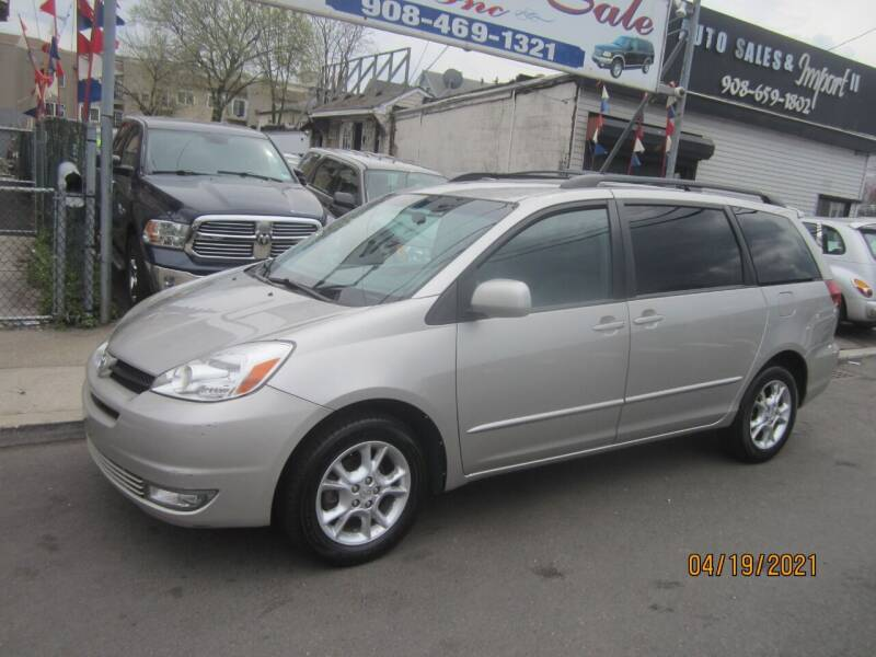 2004 Toyota Sienna for sale at Cali Auto Sales Inc. in Elizabeth NJ