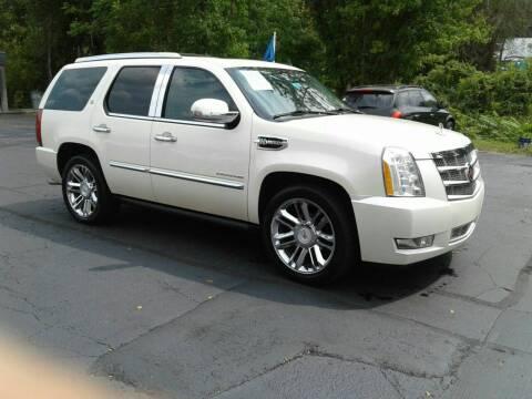 2010 Cadillac Escalade Hybrid for sale at Car Guys in Lenoir NC
