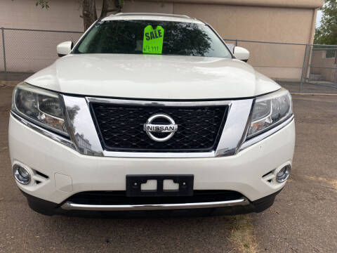 2014 Nissan Pathfinder for sale at GO GREEN MOTORS in Lakewood CO