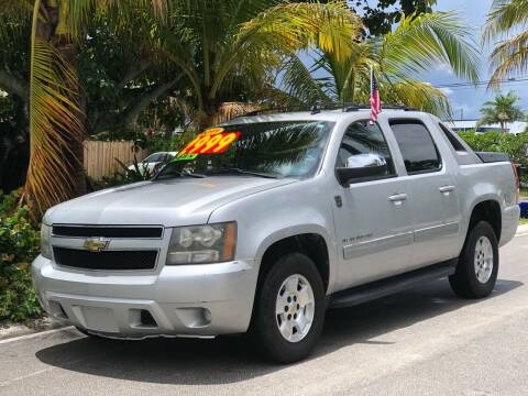 2011 Chevrolet Avalanche for sale at L G AUTO SALES in Boynton Beach FL