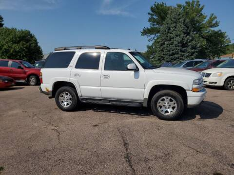 2005 Chevrolet Tahoe for sale at RIVERSIDE AUTO SALES in Sioux City IA