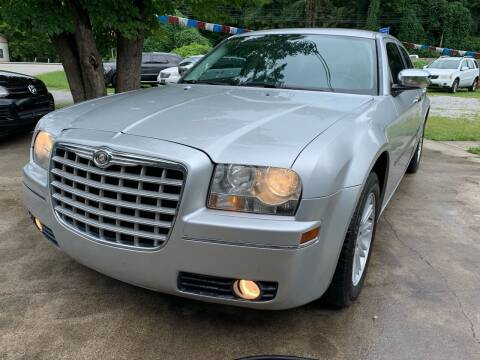 2010 Chrysler 300 for sale at Day Family Auto Sales in Wooton KY