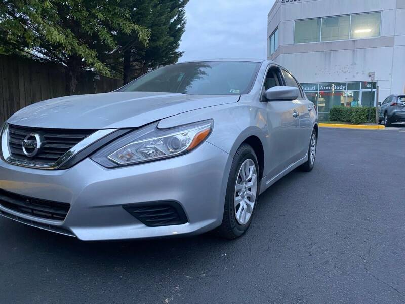 2017 Nissan Altima for sale at Super Bee Auto in Chantilly VA