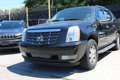 2007 Cadillac Escalade EXT for sale at F & M AUTO SALES in Detroit MI