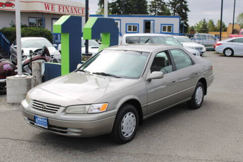 1998 Toyota Camry for sale at BAYSIDE AUTO SALES in Everett WA
